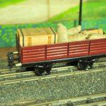Vagone-due-assi-per-collettame-Marklin-800x532